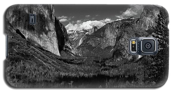 Tunnel View Black And White  Galaxy S5 Case