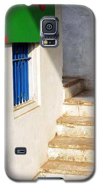 Galaxy S5 Case featuring the photograph Turn Left by Prakash Ghai