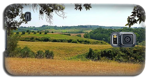 Galaxy S5 Case featuring the photograph Tuscan Country by Valentino Visentini