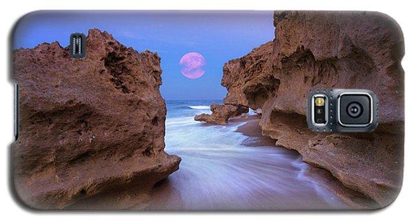 Twilight Moon Rising Over Hutchinson Island Beach Rocks Galaxy S5 Case