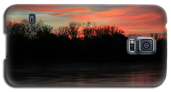 Galaxy S5 Case featuring the photograph Twilight On The River by Chris Berry
