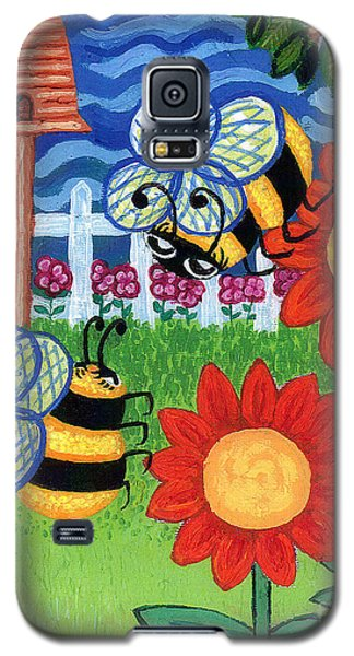 Two Bees With Red Flowers Galaxy S5 Case