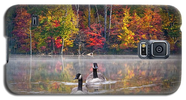 Two Canadian Geese Swimming In Autumn Galaxy S5 Case