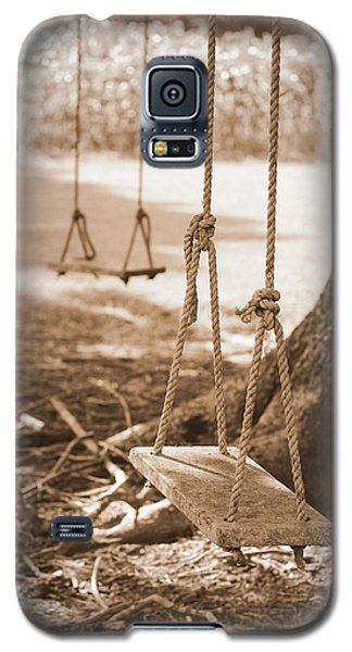 Two Swings - Sepia Galaxy S5 Case by Beth Vincent