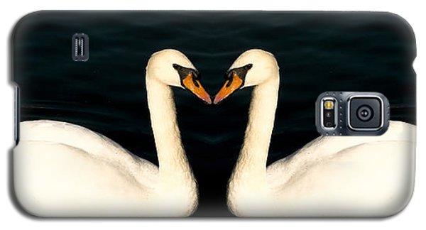 Two Symmetrical White Love Swans Galaxy S5 Case