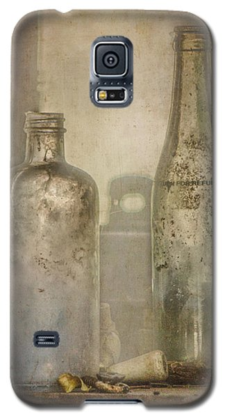 Two Vintage Bottles Galaxy S5 Case