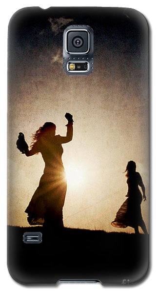 Two Women Dancing At Sunset Galaxy S5 Case