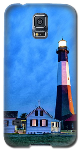 Galaxy S5 Case featuring the photograph Tybee Island Lighthouse by Phyllis Peterson