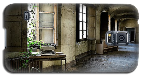 Galaxy S5 Case featuring the photograph Typewriter Story Of Abandoned Building - Urbex Exploration by Dirk Ercken