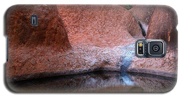 Galaxy S5 Case featuring the photograph Uluru 03 by Werner Padarin