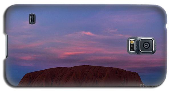 Galaxy S5 Case featuring the photograph Uluru Sunset 04 by Werner Padarin