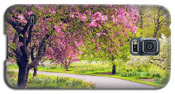 Under The Apple Tree Galaxy S5 Case by Jessica Jenney