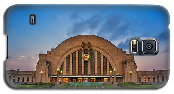 Galaxy S5 Case featuring the photograph Union Terminal At Dawn by Rob Amend