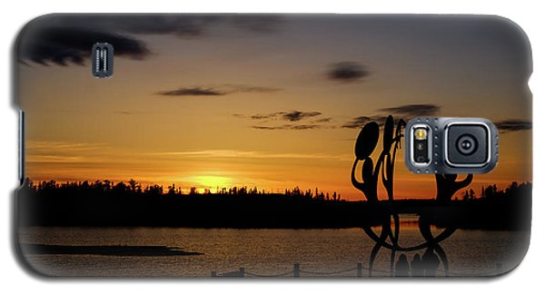 United In Celebration Sculpture At Sunset 6 Galaxy S5 Case