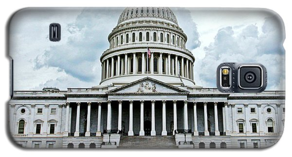 Galaxy S5 Case featuring the photograph United States Capitol by Suzanne Stout