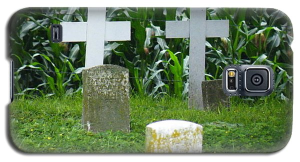 Unmarked Youth Center Graves #1 Galaxy S5 Case