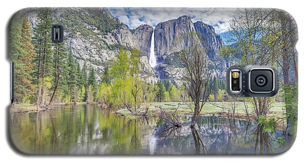 Galaxy S5 Case featuring the photograph Upper Yosemite Falls In Spring by Scott McGuire