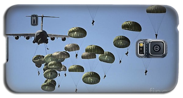 U.s. Army Paratroopers Jumping Galaxy S5 Case