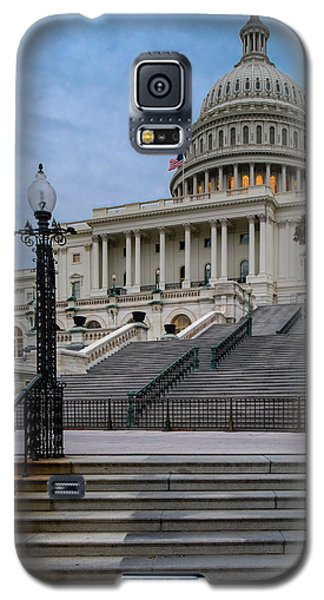 Galaxy S5 Case featuring the photograph Us Capitol Building Twilight by Susan Candelario