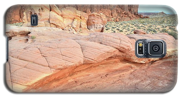 Galaxy S5 Case featuring the photograph Valley Of Fire's North End by Ray Mathis