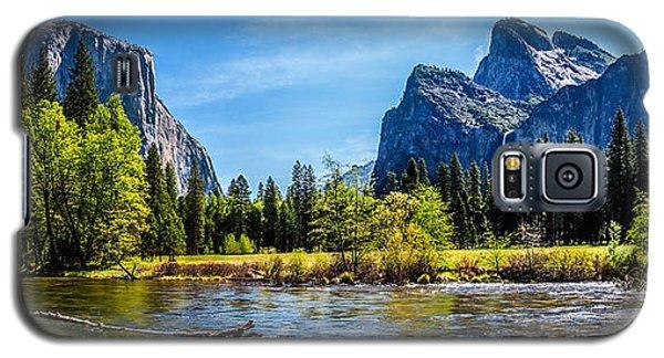 Yosemite National Park Galaxy S5 Case - Tranquil Valley by Az Jackson