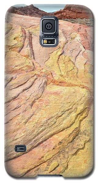 Galaxy S5 Case featuring the photograph Veins Of Gold In Valley Of Fire by Ray Mathis