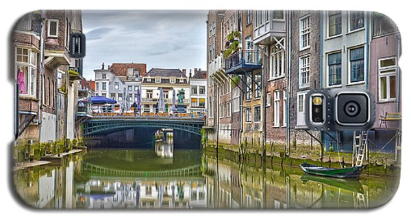Galaxy S5 Case featuring the photograph Venetian Vibe In Dordrecht by Frans Blok