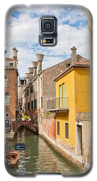 Galaxy S5 Case featuring the photograph Venice Canal by Sharon Jones