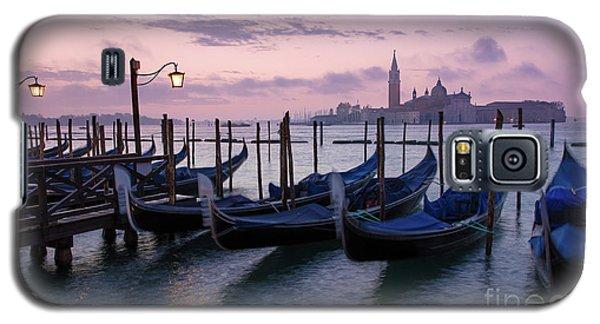Galaxy S5 Case featuring the photograph Venice Dawn II by Brian Jannsen