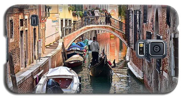 Venice Gondolier Galaxy S5 Case by Frozen in Time Fine Art Photography