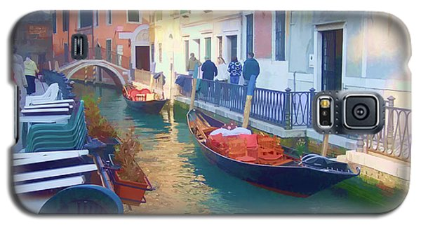 Galaxy S5 Case featuring the photograph Venice Sidewalk Cafe by Roberta Byram