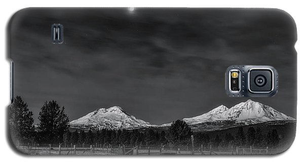 Galaxy S5 Case featuring the photograph Venus Over Three Sisters by Cat Connor