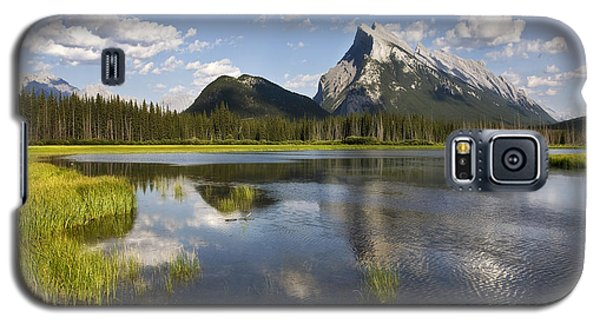 Vermillion Lake And Sulpher Mountain Galaxy S5 Case