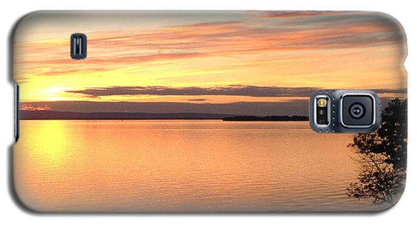 Galaxy S5 Case featuring the photograph Vermont Sunset, Lake Champlain by Felipe Adan Lerma