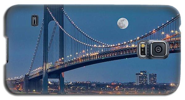 Galaxy S5 Case featuring the photograph Verrazano Narrows Bridge Moon by Susan Candelario