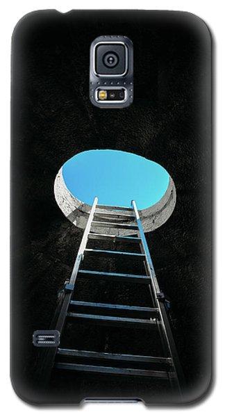 Vertical Step-ladder On Ceiling Window  Galaxy S5 Case