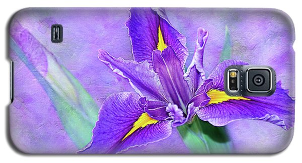 Galaxy S5 Case featuring the photograph Vibrant Iris On Purple Bokeh By Kaye Menner by Kaye Menner