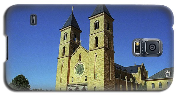 Galaxy S5 Case featuring the photograph Victoria, Kansas - Cathedral Of The Plains 6 by Frank Romeo