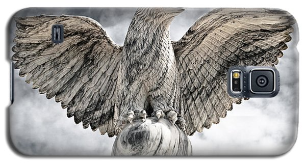 Galaxy S5 Case featuring the photograph Victorious Eagle Of Marble by Yurix Sardinelly