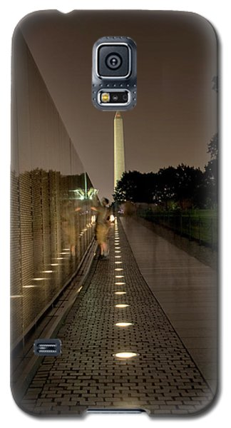 Galaxy S5 Case featuring the photograph Vietnam Veterans Memorial At Night by Chrystal Mimbs