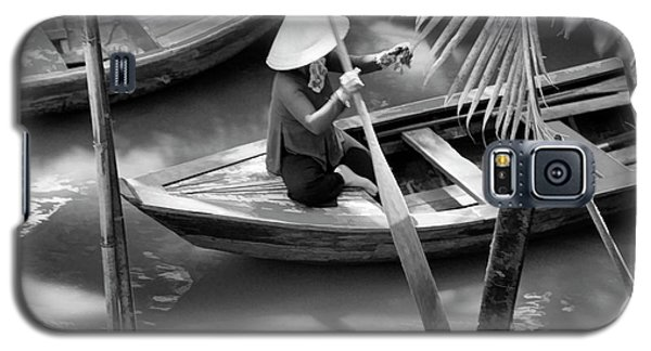 Vietnamese Woman Boat Ores Really For Tourist Mekong Delta  Galaxy S5 Case
