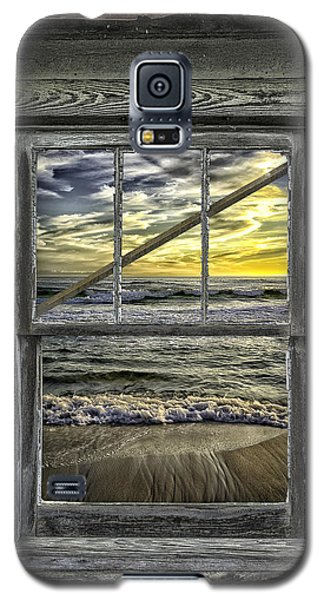 View From Weathered Beach Cottage Galaxy S5 Case by Walt Foegelle