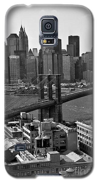 View Of The Brooklyn Bridge Galaxy S5 Case by Madeline Ellis