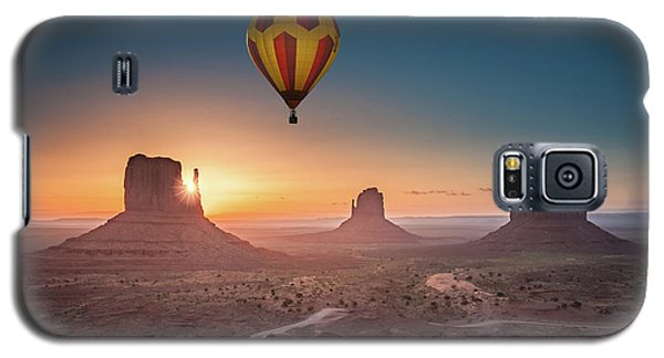 Viewing Sunrise At Monument Valley Galaxy S5 Case
