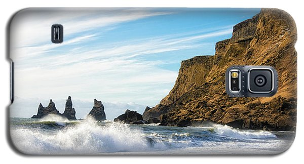 Vik Reynisdrangar Beach And Ocean Iceland Galaxy S5 Case by Matthias Hauser