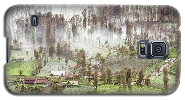 Village Covered With Mist Galaxy S5 Case