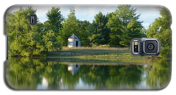 Galaxy S5 Case featuring the photograph Village In Ohio by Donald C Morgan