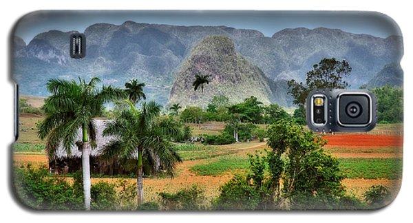 Vinales. Pinar Del Rio. Cuba Galaxy S5 Case by Juan Carlos Ferro Duque