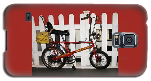 Vintage 1970s Bike With Rucksack  Galaxy S5 Case by Tom Conway