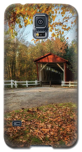 Galaxy S5 Case featuring the photograph Vintage Covered Bridge by Dale Kincaid
